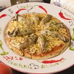 自家製トマトソースピザ(牡蠣)