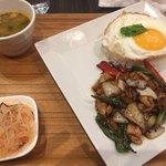 Thai Food Lounge DEE  - 本日のランチ