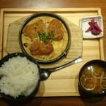 和民 - 本日の日替わり ヒレカツの卵とじ定食 750円