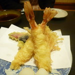 手打ちそば 膳 - 海老の天ぷら