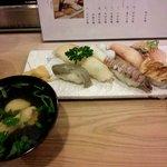 かわ蝶 - 地元で取れたお寿司 8貫 2000円
