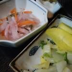 山しげ - かつ丼(酢の物&煮物)