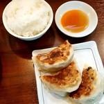 麺の風 祥気 - 麺の風 祥気@長岡 平日ランチB 餃子3コ+ミニライス(280円)