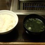 牛坊 - ライス&ワカメスープ