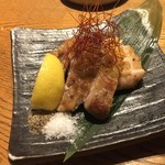酒と料理のなつ - 網焼き炙り鶏(税抜780円)