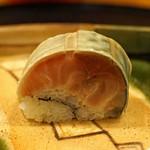 旬席 鈴江 - 淡路産の鯖寿司