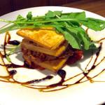 バル・カ・エール - 肉料理(名称不詳)。