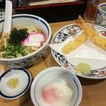 77738177 - かけうどん(温) + えび天 (300円) + 温泉卵 (100円)