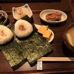 77739875 - おむすび定食鮭とチャーシュ〜!