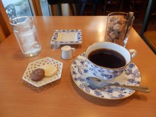 JUN - ホットコーヒー(500円)