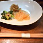 旬肴地酒 寅八 - お通し(3種盛り)