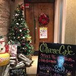 横浜チーズカフェ - 店舗入口はすっかりクリスマス気分