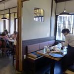 レストラン カマヘイ - お寿司屋さんらしい設えが残っています。