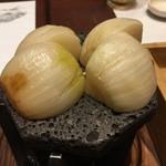 77752289 - 日本一の玉葱溶岩焼き