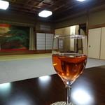 壽屋 - これで白ワインだそうな