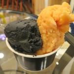 プレマルシェ・ジェラテリア - ザ・忍者 精進忍者食(左) 北海道産濃厚トマトソルベ(右)