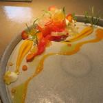 77757314 - マスとヤマメの卵 人参 柑橘の香り2