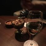 バー セカンド - また白ワイン