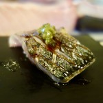 奴寿司 - [2017/11]追加② 鯖炙りの握り わさびと青胡椒