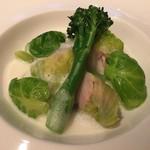 ミチノ・ル・トゥールビヨン - 白菜で巻いた河豚と彩り野菜 バターモンテしたクリーム 河豚の煮凝り
