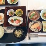 レストラン ル・クール神戸 - 和定食(- 五国の旬の味わい - 季節の焼き魚 - 須磨海苔 - 高本農場のこしひかり 御飯 または お粥 - 地産の味噌汁 - 地元旬野菜の漬物)