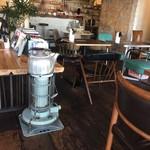 アオゾラコーヒーショップ - 店内の様子