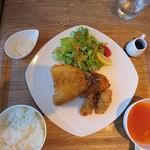 グリーングリルキセツ - 料理写真:2017年12月 ミックスフライ定食 1200円