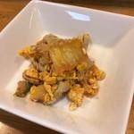 酒処雄 - 料理写真:お通しの豚キムチ