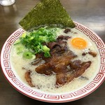 博多豚骨ラーメン 替玉食堂 - 博多肉盛ラーメン