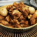 シンジュク ハウス - 人気の鶏の煮込み「アドボ」