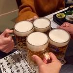 77781146 - ビールで(^_^)/□☆□\(^_^)乾杯!!