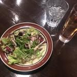 南平台 ラウンジ - セットのサラダと烏龍茶