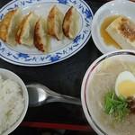台湾風味 ミスターヤン - 焼き餃子ビーフン880円