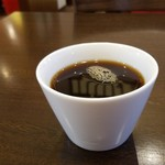 77789339 - サービスのコーヒーです。