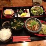 やまと庵 - 肉と魚の合もりランチ1000円