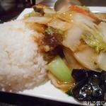 中華料理 翠珍 - 牛バラ肉のあんかけごはん