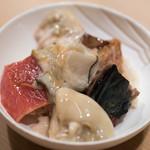 うを徳 - 2017.12 牡蠣鉄火丼(仙鳳趾牡蠣、大間本鮪大トロ炭火炙り)