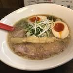 らーめん伊藝 - 煮干しそば(800円)+とろ~り半熟味付玉子(100円)