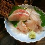 高円寺食堂酒場 極楽屋 - 白身魚3点盛り