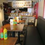 ミニハンバーガー専門店 Coeur - ハンバーガー店と云うよりカフェのような店3