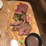 熟成肉バル アンジョウウッシーナ -