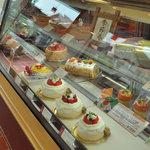 バイカル - ホールケーキやロールケーキ