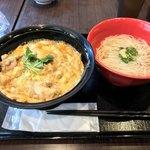 比内地鶏生産責任者の店 本家あべや - 親子丼+ミニ稲庭うどん(温)!