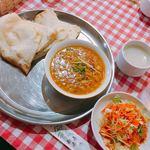 ナマステ - チーズナンセット(ダルカレー)