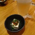 小さな小さな玄界灘 スシ男 - 料理写真:突き出しと生ビール