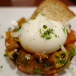 イタリア料理 フィオレンツァ - チャンポッタ(ラタトゥイア)と半熟卵、パルミジャーノ