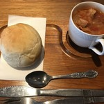77821058 - 丸パンセットのパンとドリンクはスープを選択