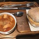 77821065 - ヨーロッパ小麦パンセット スープは具沢山!