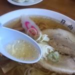 青竹手打ラーメン 日向屋 - 綺麗なスープ