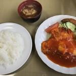 享楽亭 - 料理写真:エビの玉子巻き
